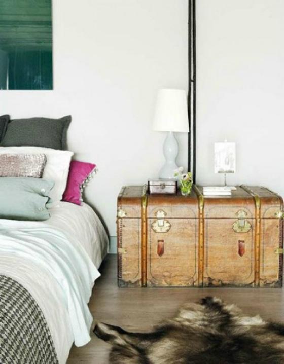 NookAndSea-Trunk-Nightstand-Bedroom-Idea-Decorating