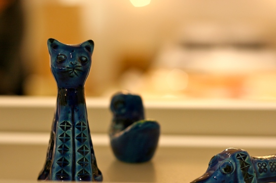 NookAndSea-Design-Within-Reach-DWR-Store-Grand-Opening-Costa-Mesa-California-South-Coast-Collection-Shopping-Plaza-SOCO-Party-Cat-Figurine